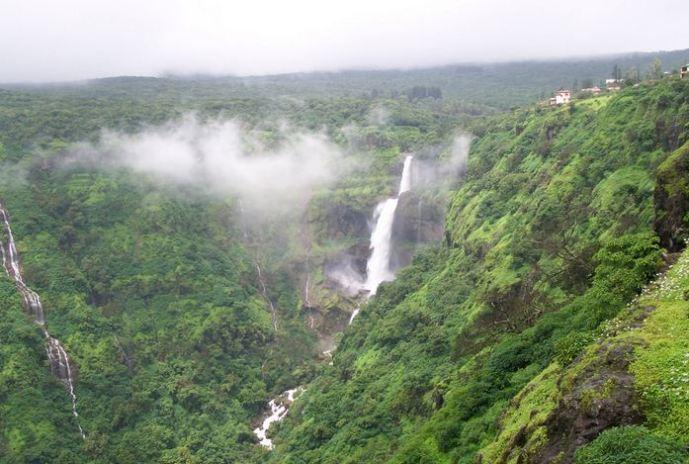 Lingmala Waterfalls in Mahabaleshwar
