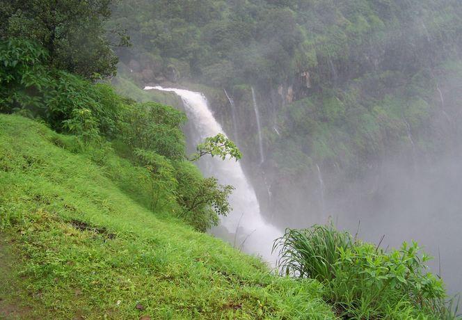 Lingmala Waterfalls in Maharashtra