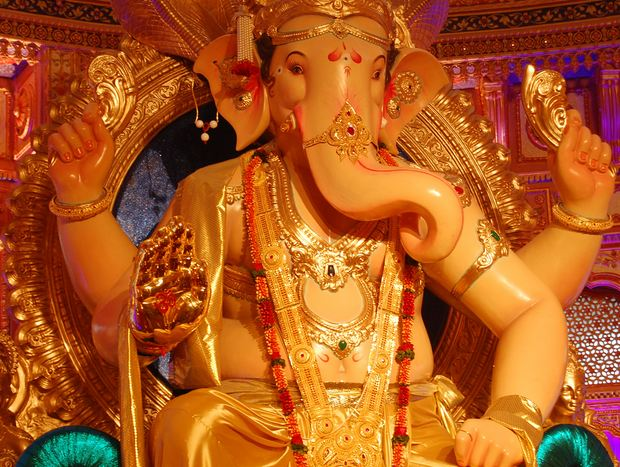12 Lane Khetwadi Ganesh Idol