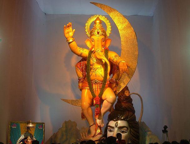 Ganesh Galli Mumbaicha Raja Idol