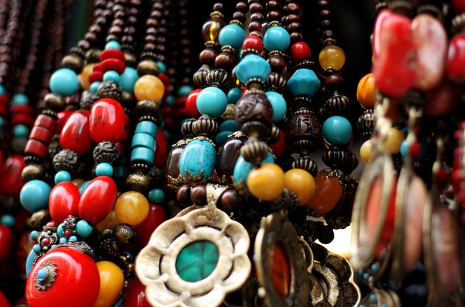 Bead Necklaces at Colaba Mumbai