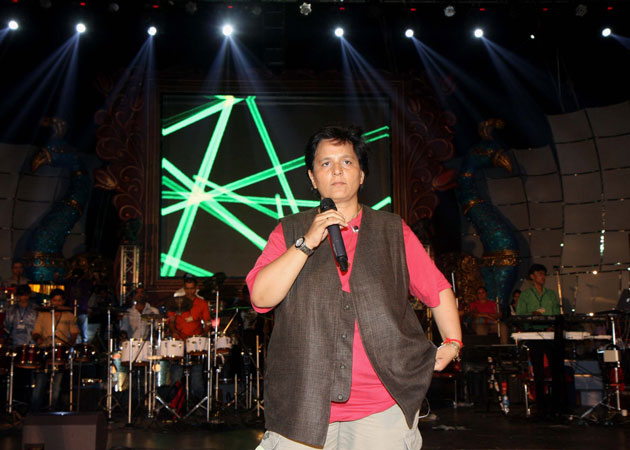 Falguni Pathak at Goregaon Sports Club Mumbai
