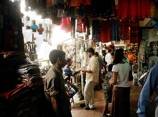 Shopping at Colaba Causeway in Mumbai