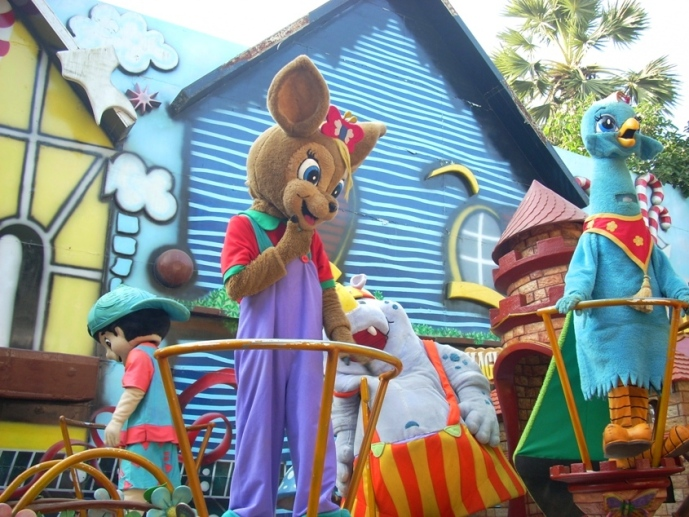 Essel World Characters Parade