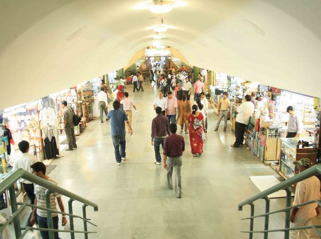Palika Bazaar Undergound Shopping in Delhi