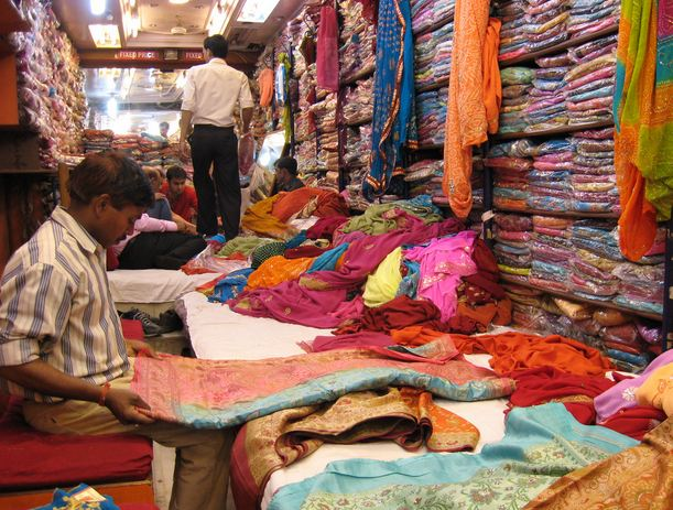 Saree Shop in Sarojini Nagar in Delhi