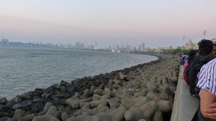 Marine Drive Looking Towards Charni Road